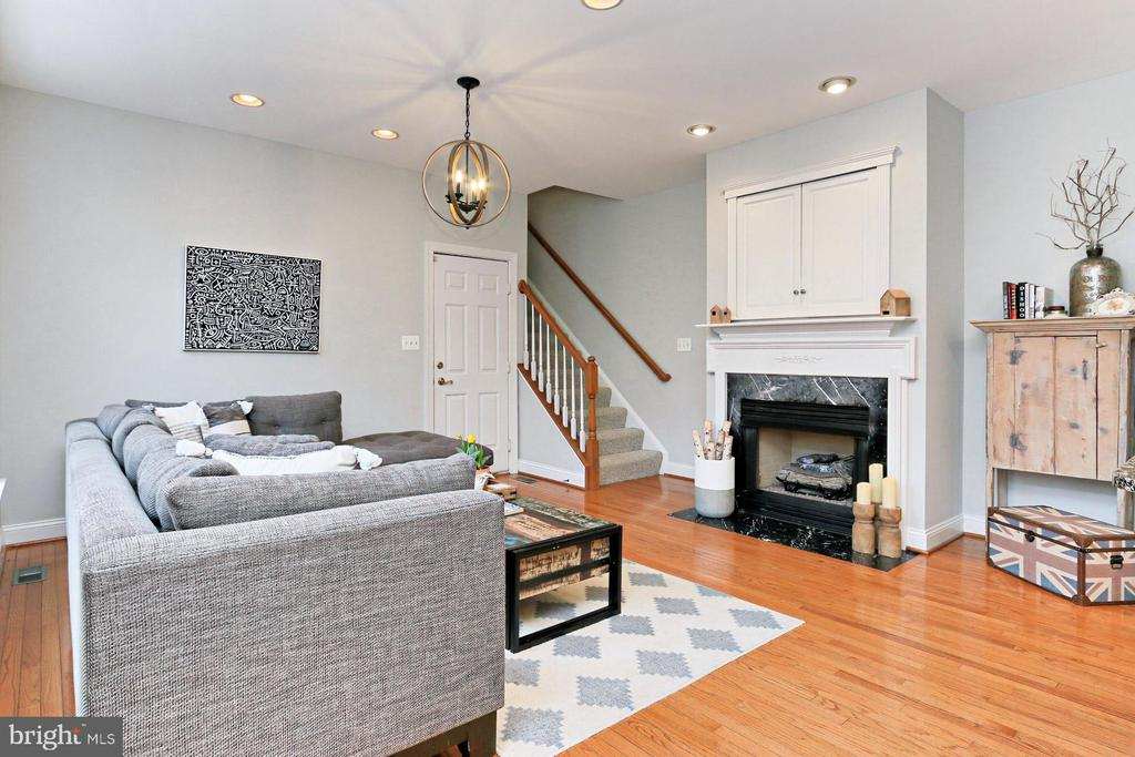 Family Room w/ access to 2-Car Garage - 425 PARK AVE, FALLS CHURCH