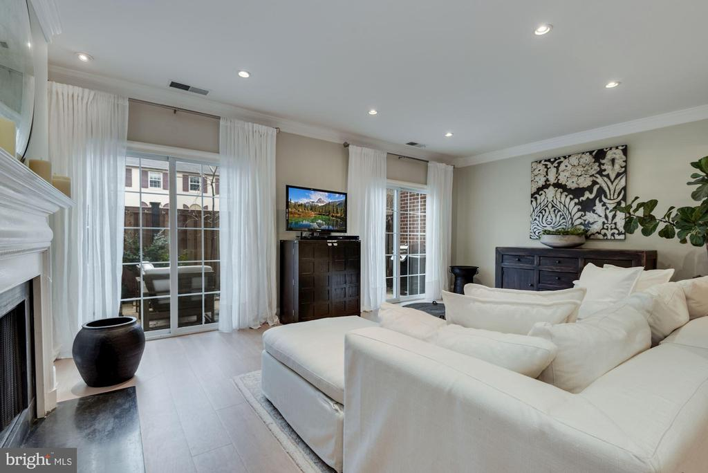 Living Room - Gorgeous Views of Serene Back Patio! - 1610 BELMONT ST NW #D, WASHINGTON