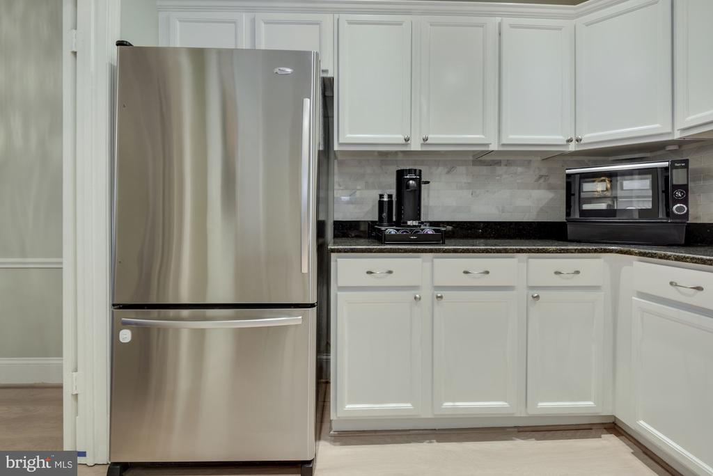 Kitchen - Super Spacious! Granite Counter Tops! - 1610 BELMONT ST NW #D, WASHINGTON