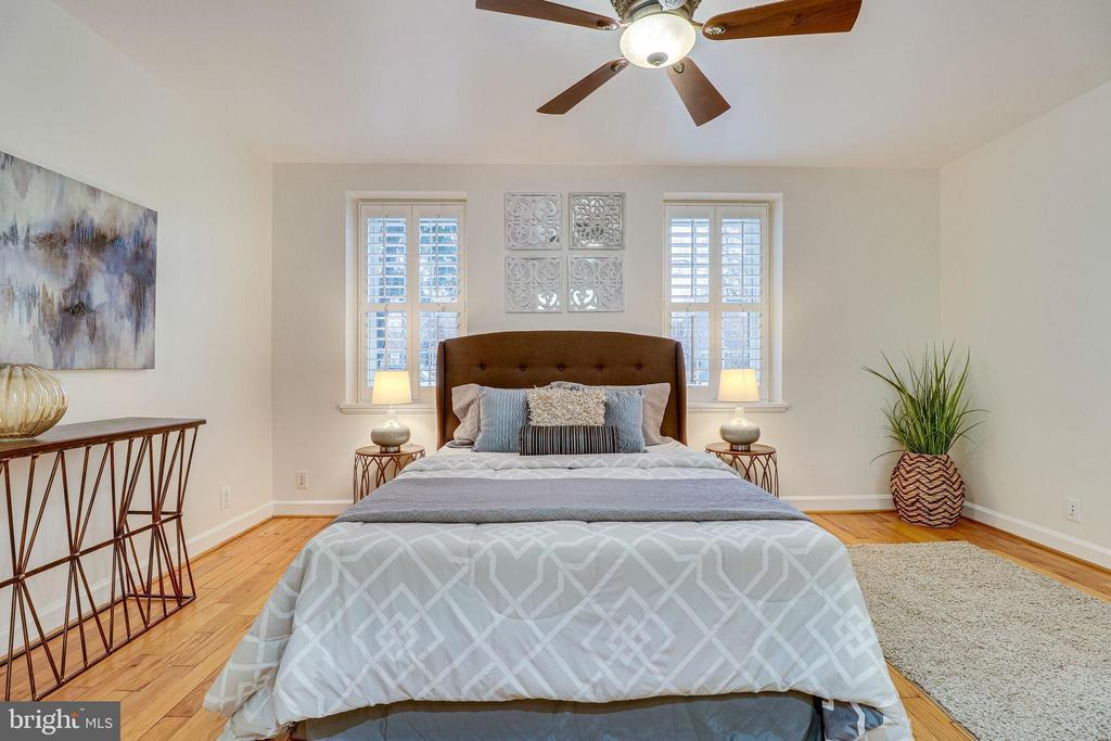 Main Level Primary Bedroom - 3052 S ABINGDON ST #A2, ARLINGTON