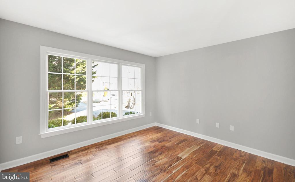 Office/Study/Living Room - 305 CONE BRANCH DR, MIDDLETOWN