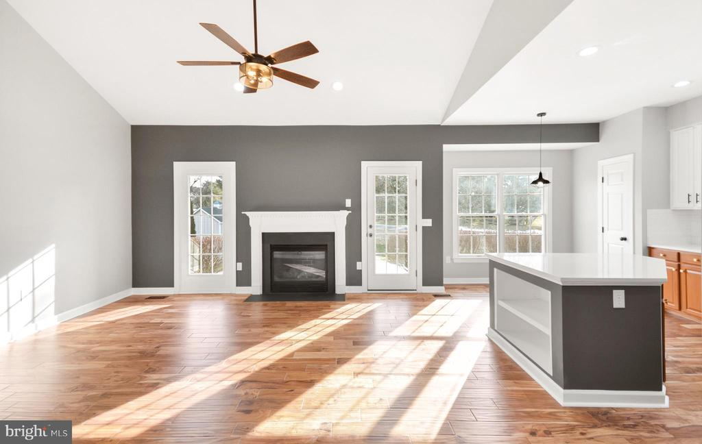 Vaulted Family - 305 CONE BRANCH DR, MIDDLETOWN