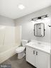 Upper bath - 305 CONE BRANCH DR, MIDDLETOWN