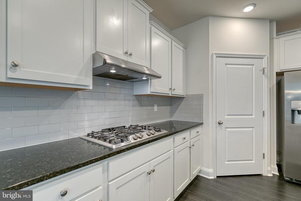 Gas Stove Top - 103 OLD OAKS CT, STAFFORD