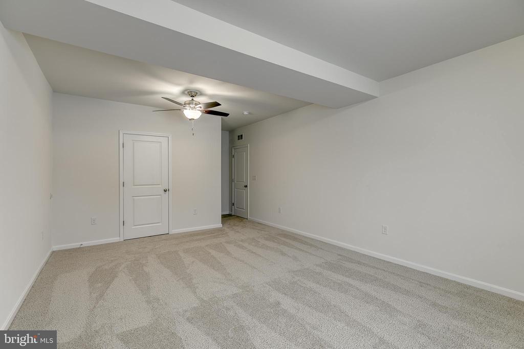 basement bedroom - 103 OLD OAKS CT, STAFFORD