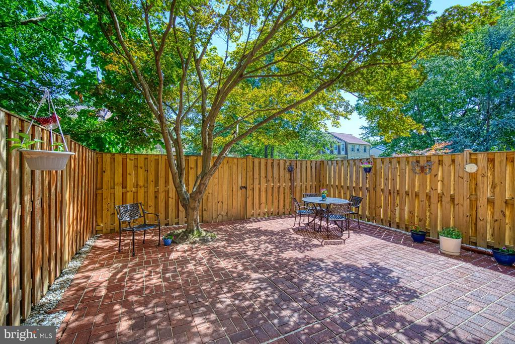 Private, Fenced, Brick Rear Patio - 10161 TURNBERRY PL, OAKTON