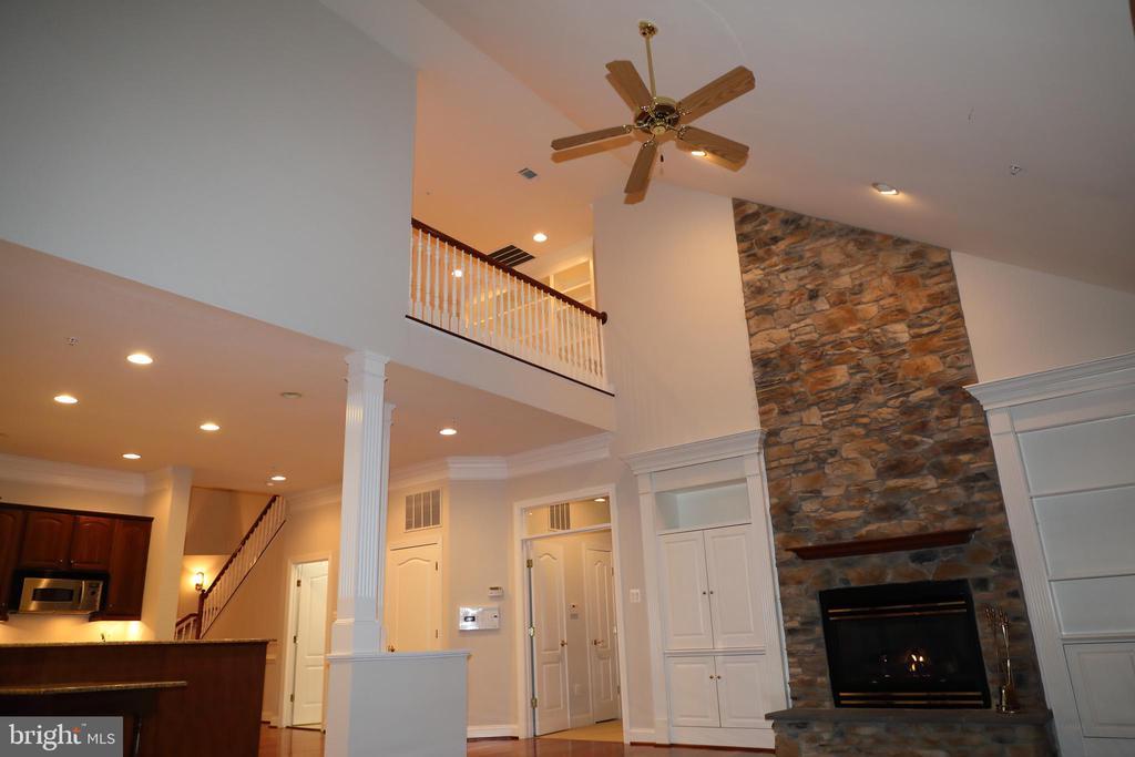 Family Room, looking at upper level Loft - 3705 GLEN EAGLES DR, SILVER SPRING