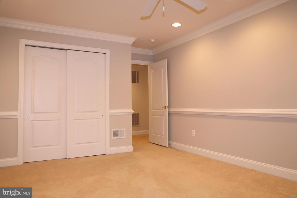 Upper level Room #1 - 3705 GLEN EAGLES DR, SILVER SPRING