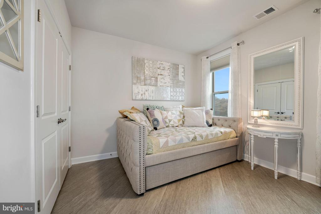 Bedroom #2 - Stunning Luxury Vinyl Plank Flooring! - 6107 FAIRVIEW FARM DR #403, ALEXANDRIA
