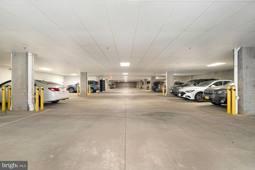 Parking Garage - 1 Garage Parking Space Conveys! - 6107 FAIRVIEW FARM DR #403, ALEXANDRIA