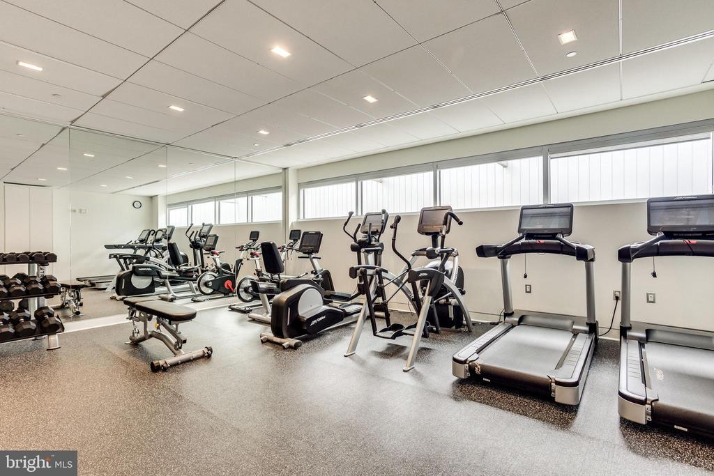 ROOFTOP FITNESS ROOM - 1177 22ND ST NW #8G, WASHINGTON