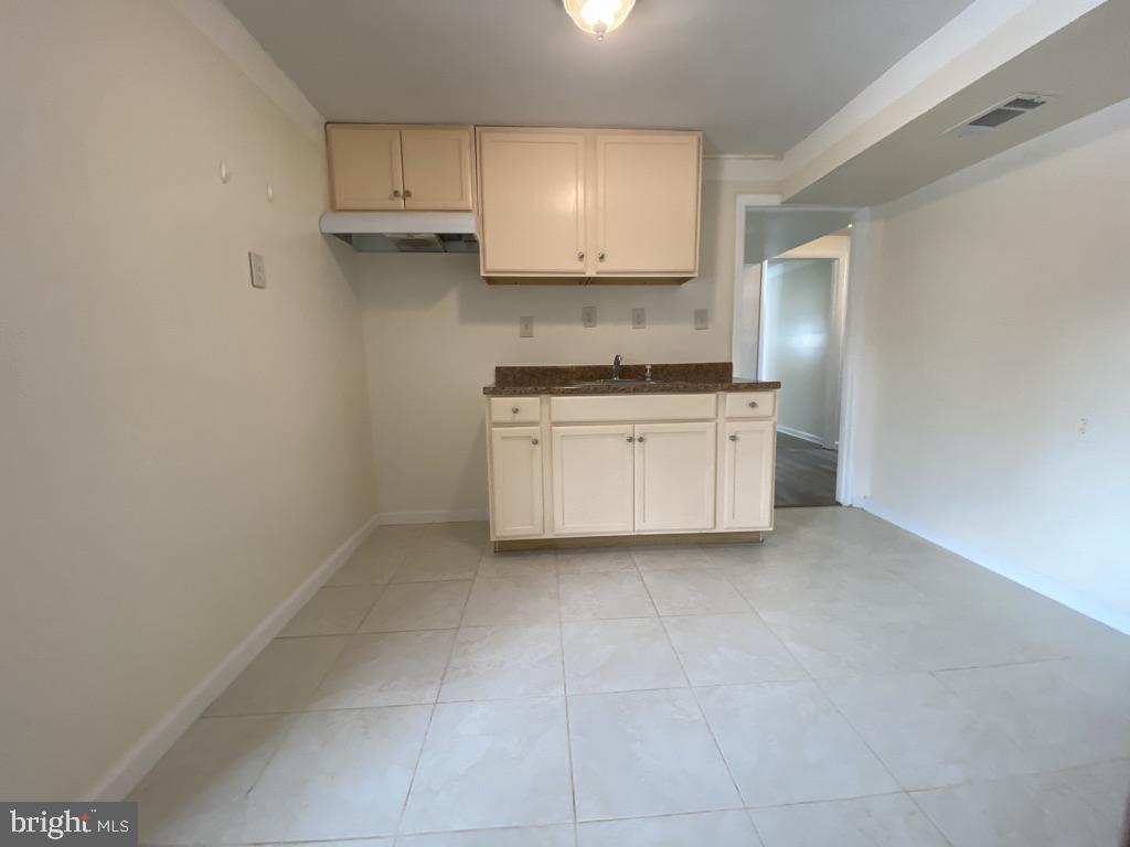 603 W Poplar Road Lower Level Kitchenette - 603 W POPLAR RD, STERLING