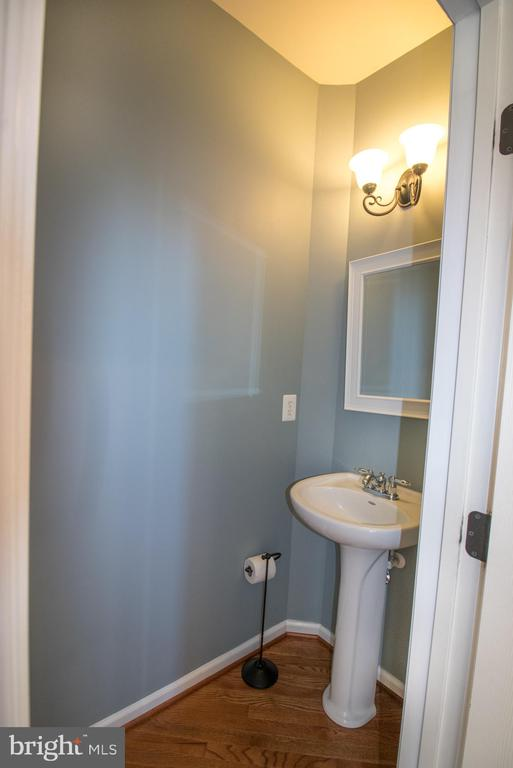 Main level half bath - 1110 HEARTHSTONE DR, FREDERICKSBURG