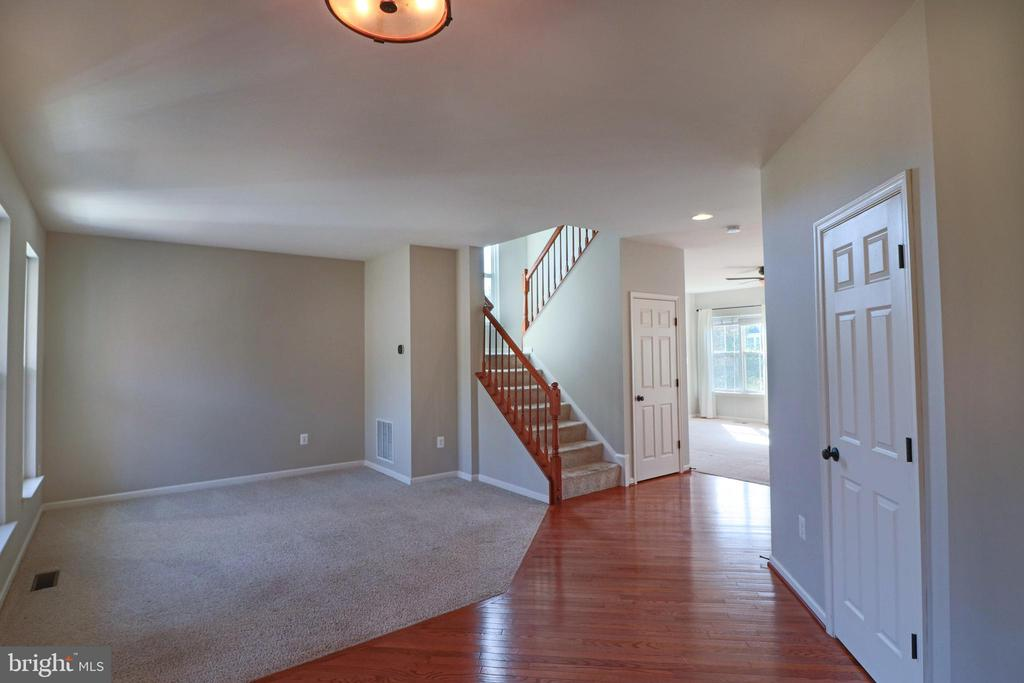 Formal living or space for school/work! - 1110 HEARTHSTONE DR, FREDERICKSBURG