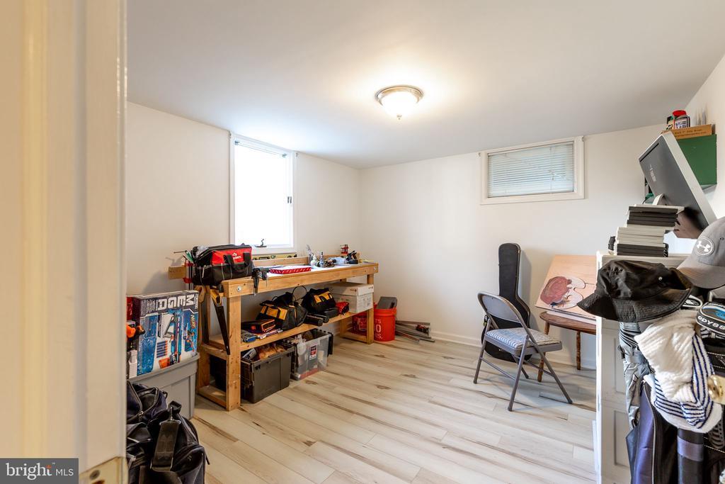 lower level - original hobby room - 9941 CORSICA ST, VIENNA