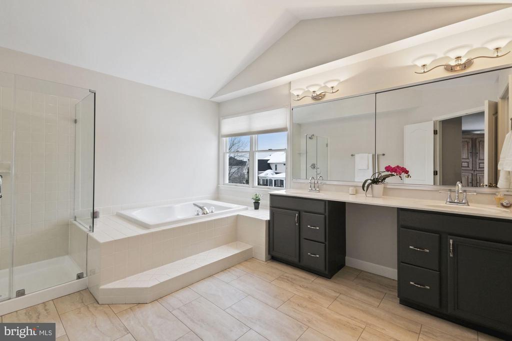 Updated Master Bath with Designer Tile Floors - 20004 HAZELTINE PL, ASHBURN