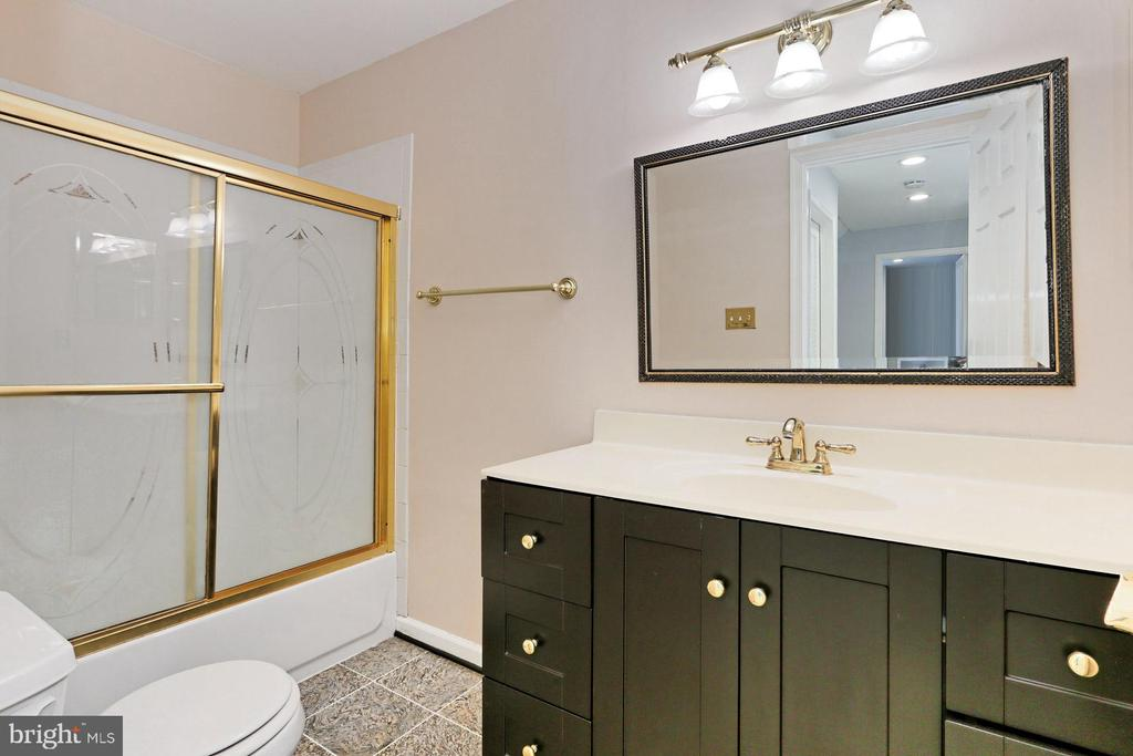 Convenient updated 3rd Full Bath in the lower lvl - 2071 WETHERSFIELD CT, RESTON