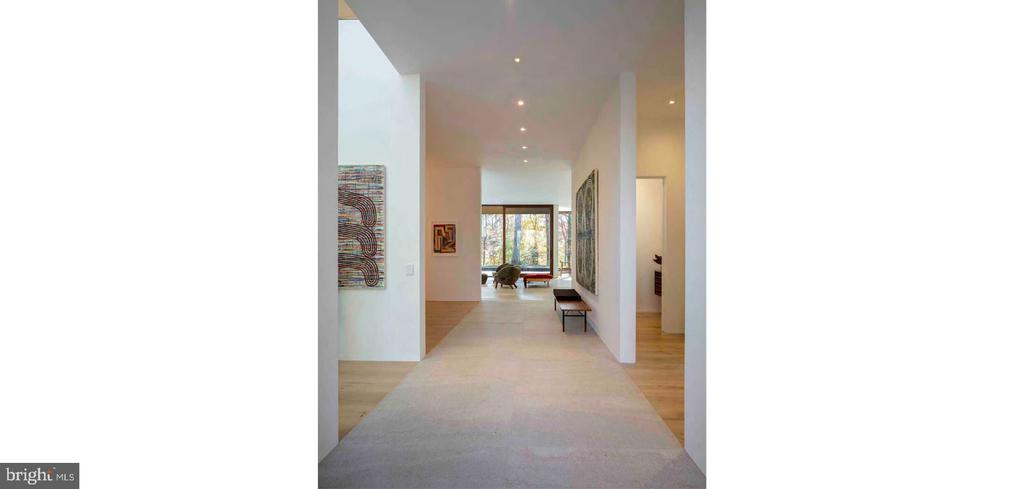Entry Hall Gallery - 3131 CHAIN BRIDGE RD NW, WASHINGTON