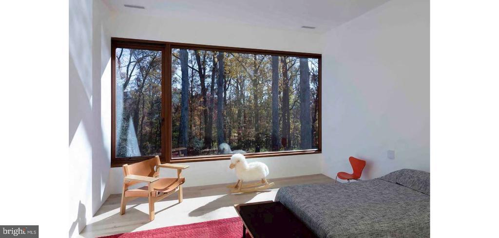 Bedroom Suite - 3131 CHAIN BRIDGE RD NW, WASHINGTON