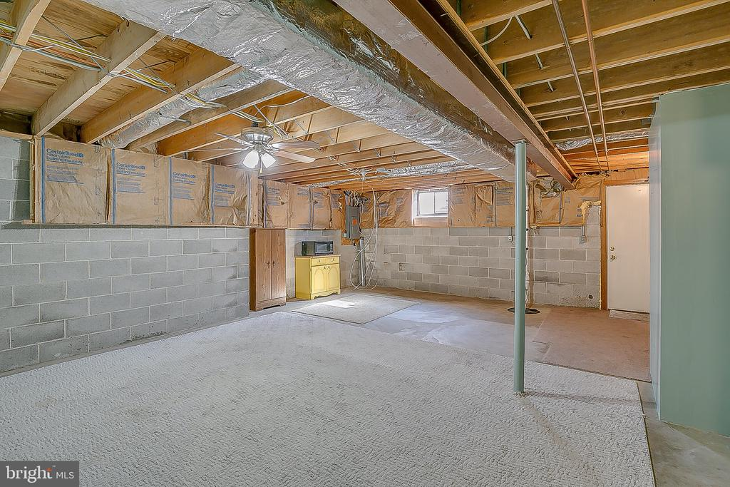 Basement with possible rec room - 122 SUNNY WAY, THURMONT