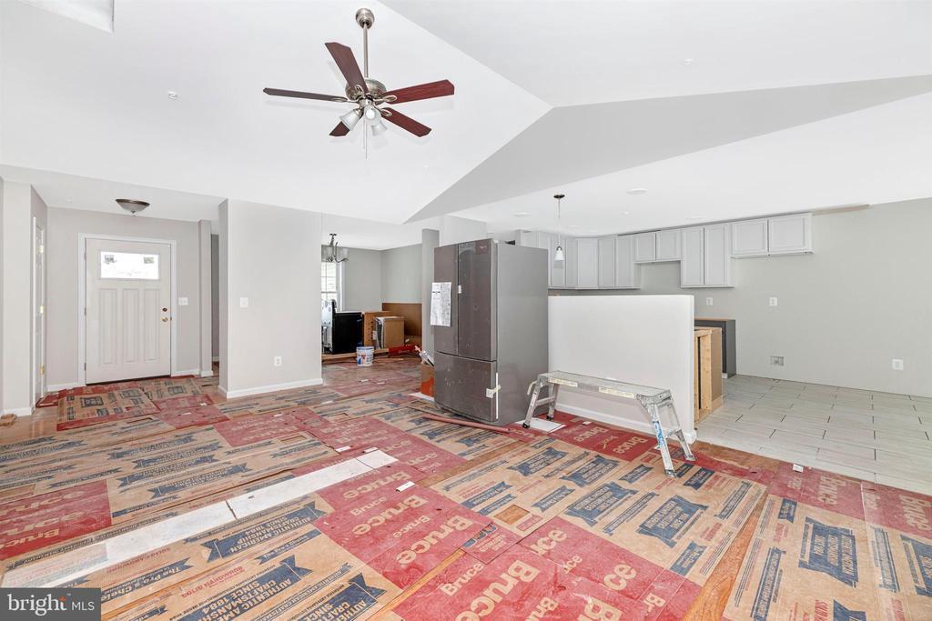 Living Room/Kitchen/Real Hardwood Floors - 13 CLARK AVE, THURMONT