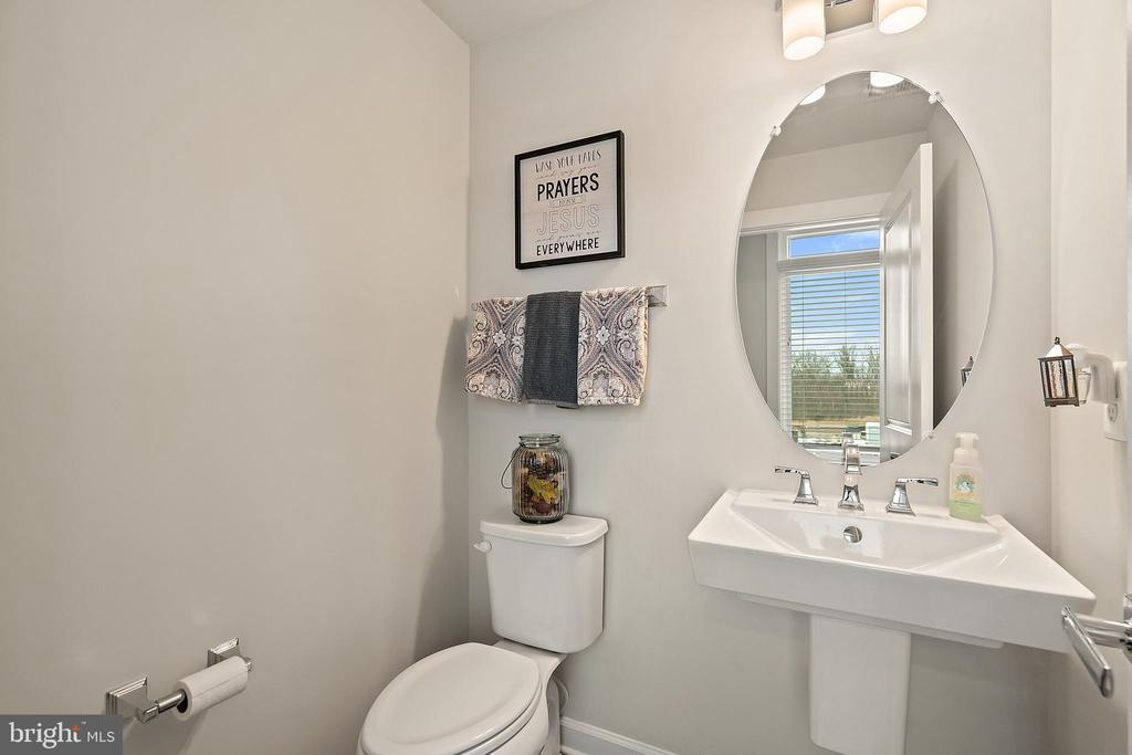 Main Level Half Bathroom - 1614 ROCKY SHALE TER SE, LEESBURG