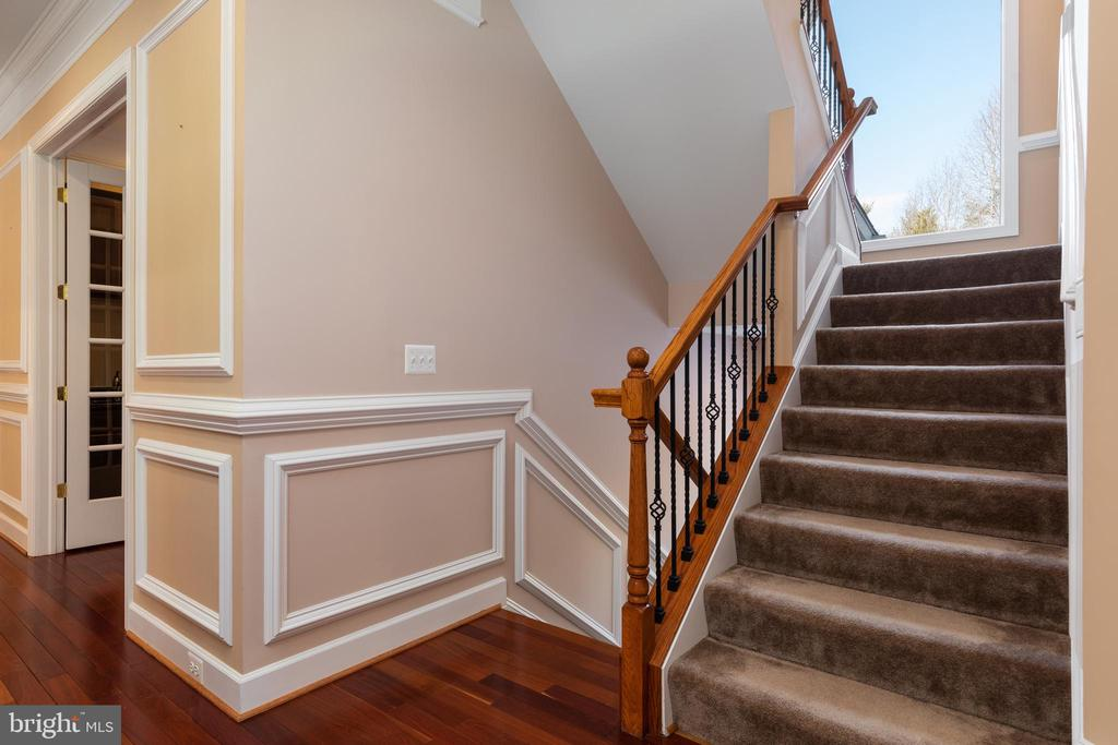 Stairs to 3rd Level - 6500 BRIARCROFT ST, CLIFTON