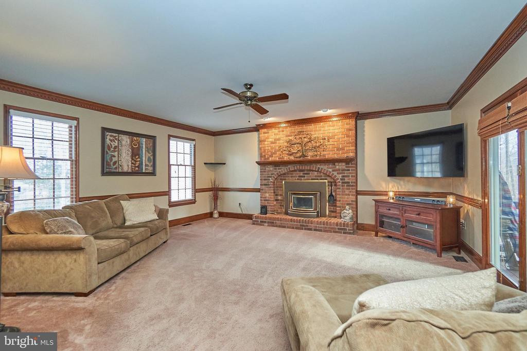 Family Room Fireplace - 12693 CROSSBOW DR, MANASSAS
