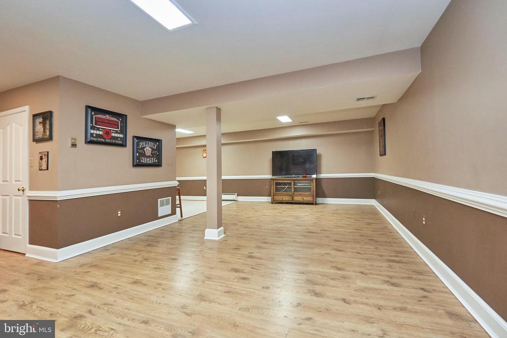 Huge Lower Level Recreation Room - 12693 CROSSBOW DR, MANASSAS