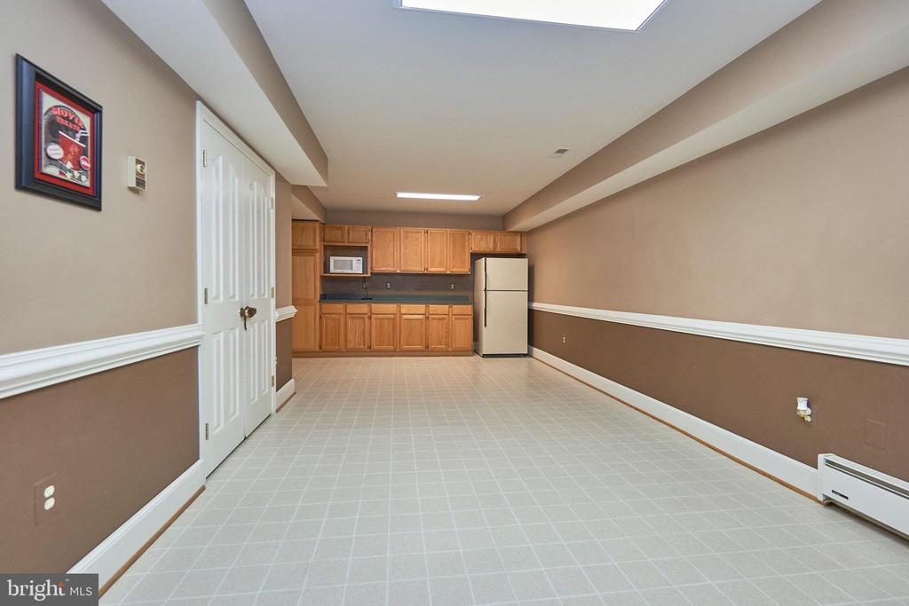 Kitchenette Area of Recreation Room - 12693 CROSSBOW DR, MANASSAS