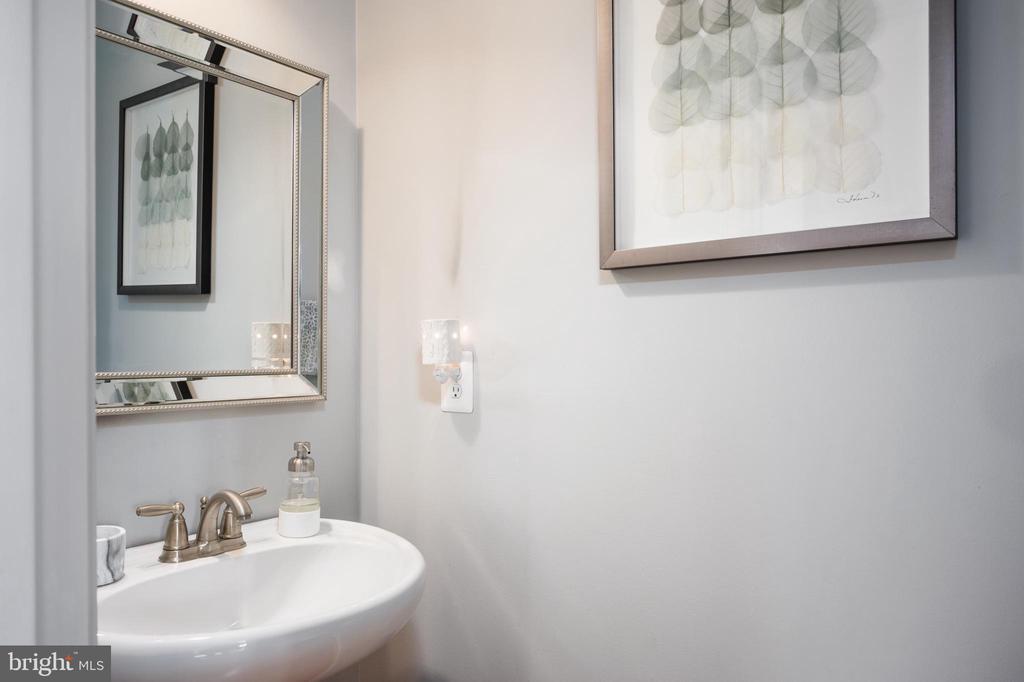 Half Bath on main level - 2140 IDLEWILD BLVD, FREDERICKSBURG