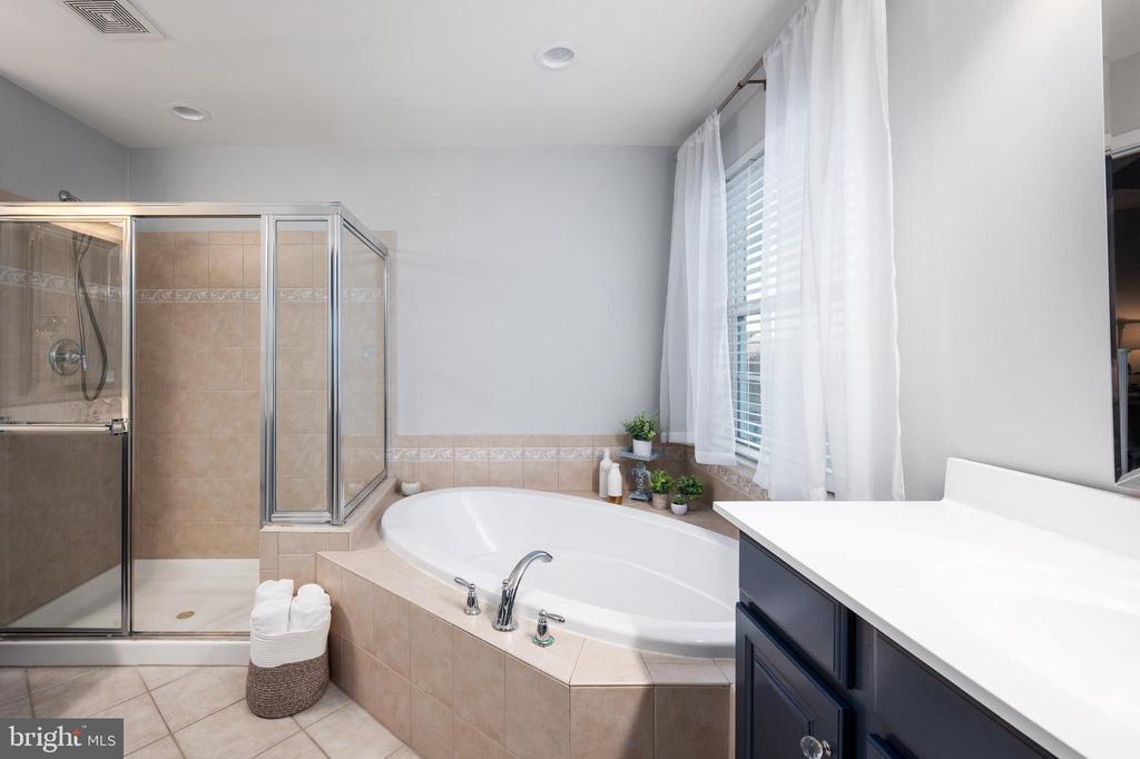 Master Bathroom - 2140 IDLEWILD BLVD, FREDERICKSBURG