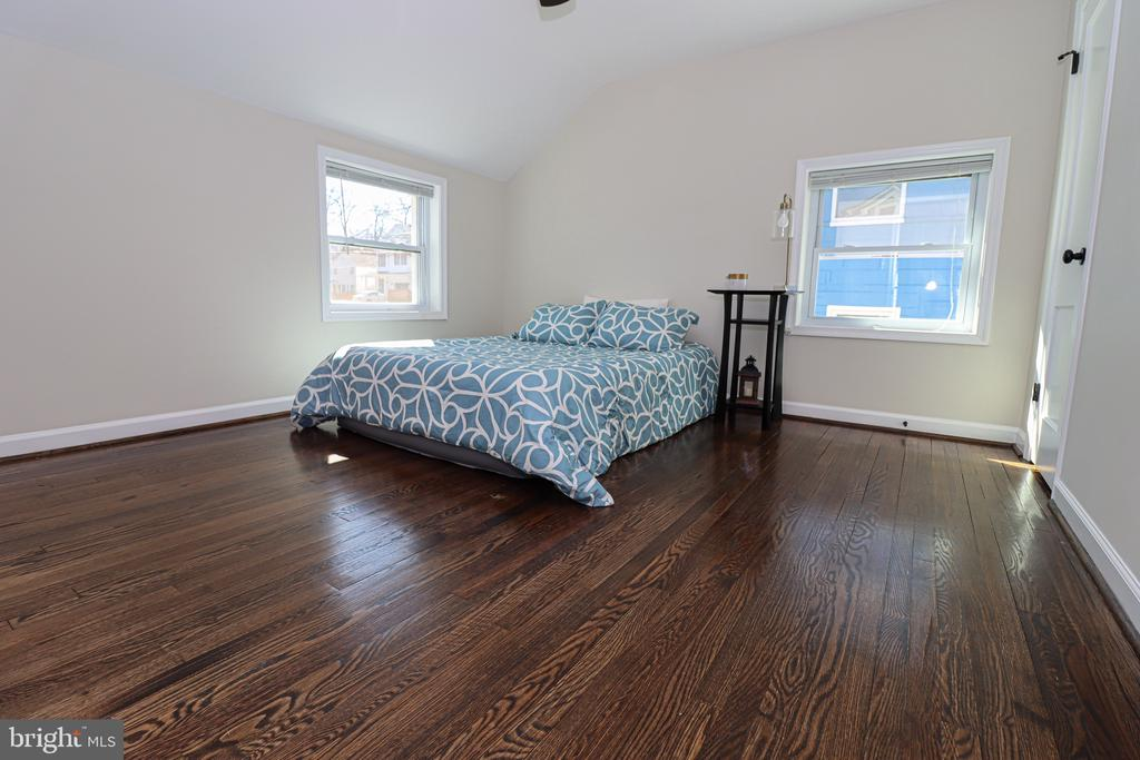 Top level main bedroom - 5109 11TH ST S, ARLINGTON