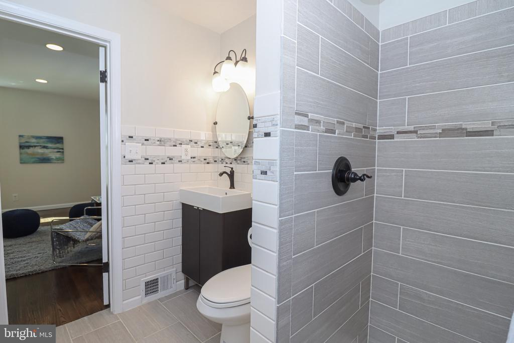 Beautiful tile work - 5109 11TH ST S, ARLINGTON