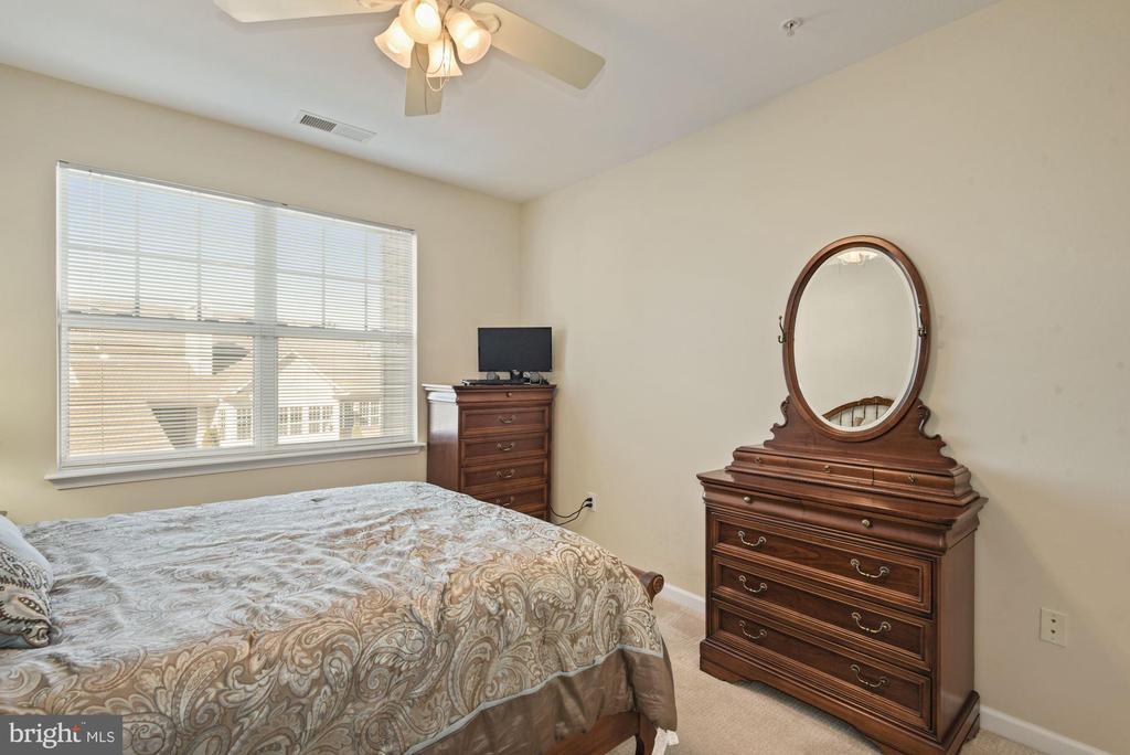 Unit 304- Bedroom, walk in closet, plush carpet - 12954 CENTRE PARK CIR #304, HERNDON
