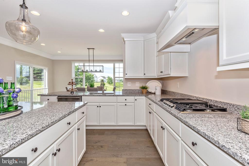 Optional Gourmet Kitchen - 6625 ACCIPITER DR, NEW MARKET