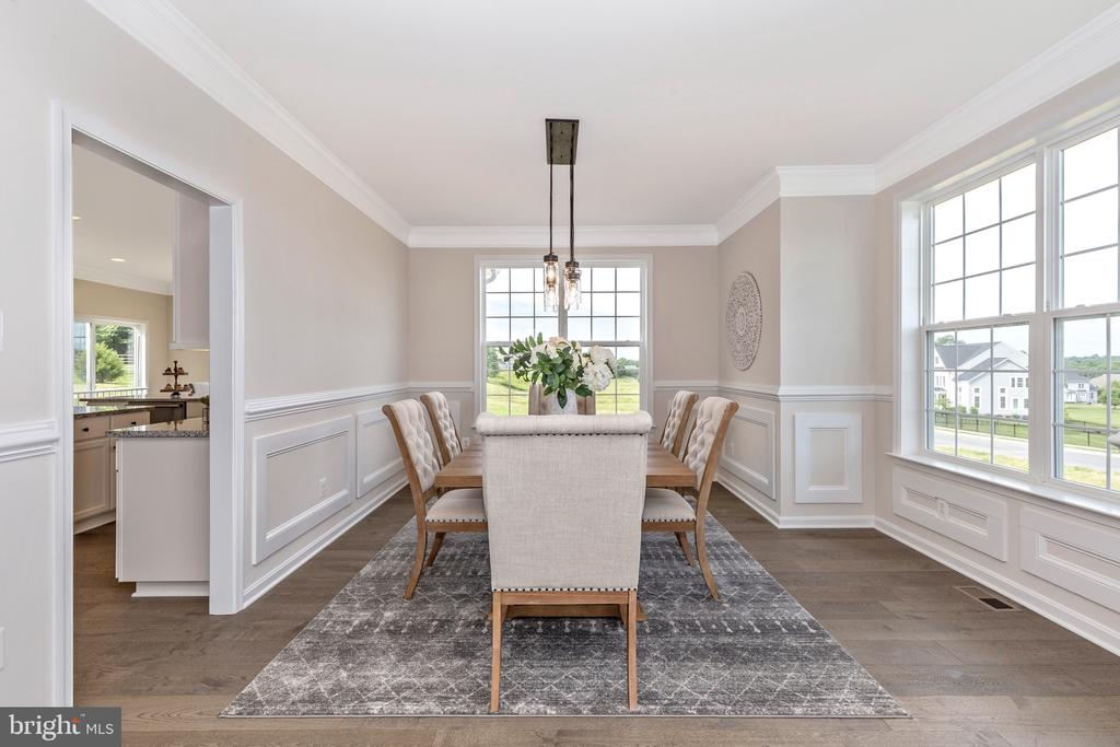 Dining Room with included Windows - 6625 ACCIPITER DR, NEW MARKET