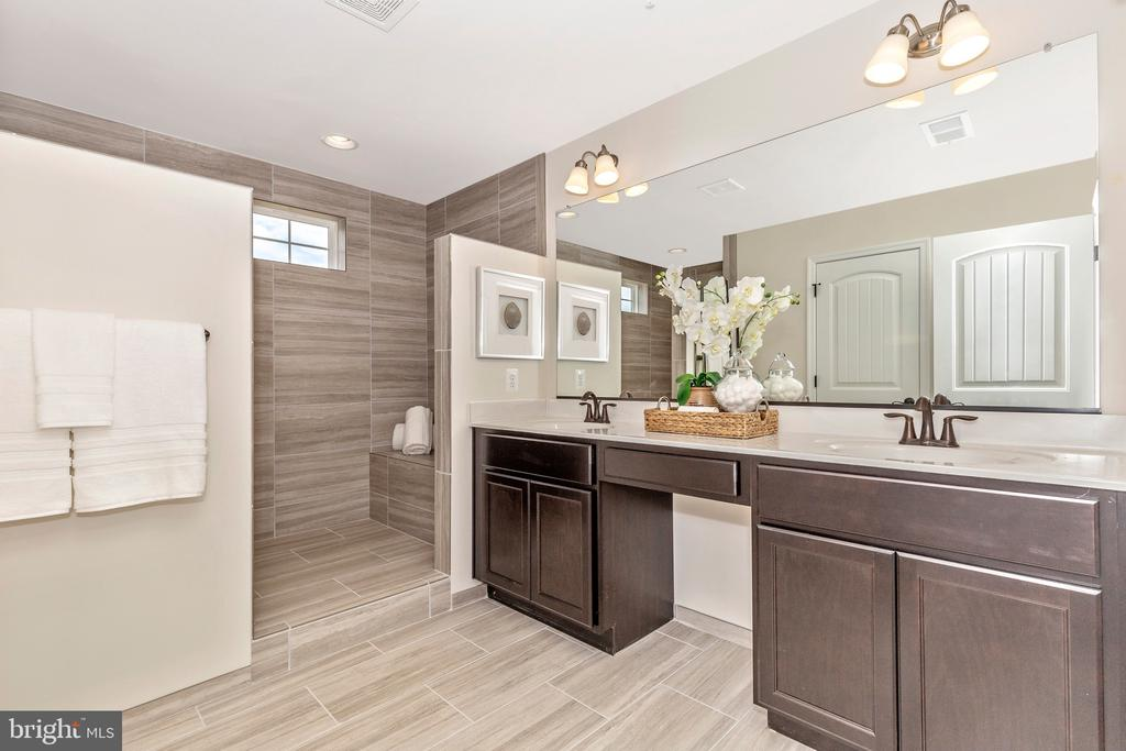 Owners Bathroom with optional Roman Shower - 6625 ACCIPITER DR, NEW MARKET