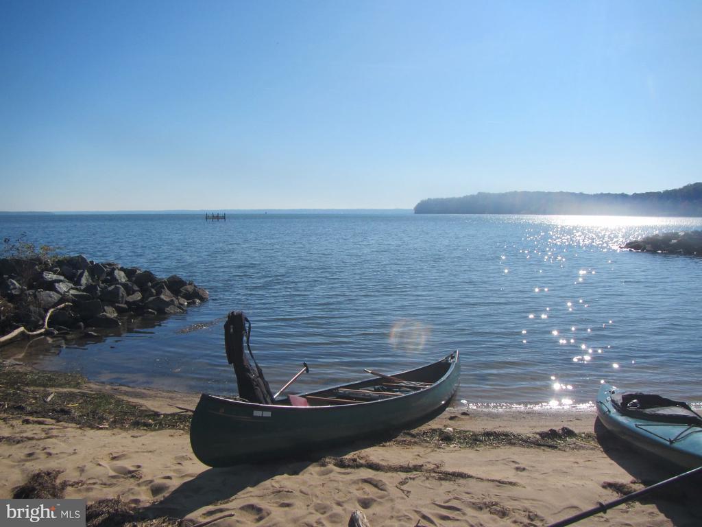 Non-Motorized Water Access-Kayka/Canoe/Paddle - 94 CANTERBURY DR, STAFFORD
