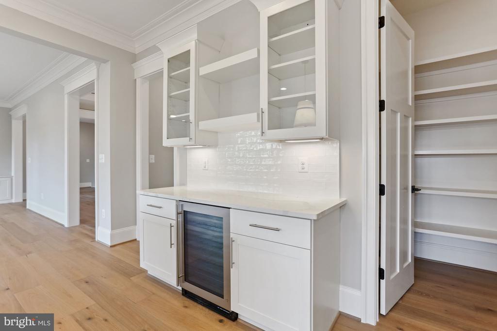 Sample:Kitchen w/ Bev frig / pantry - 114 ELM ST SW, VIENNA