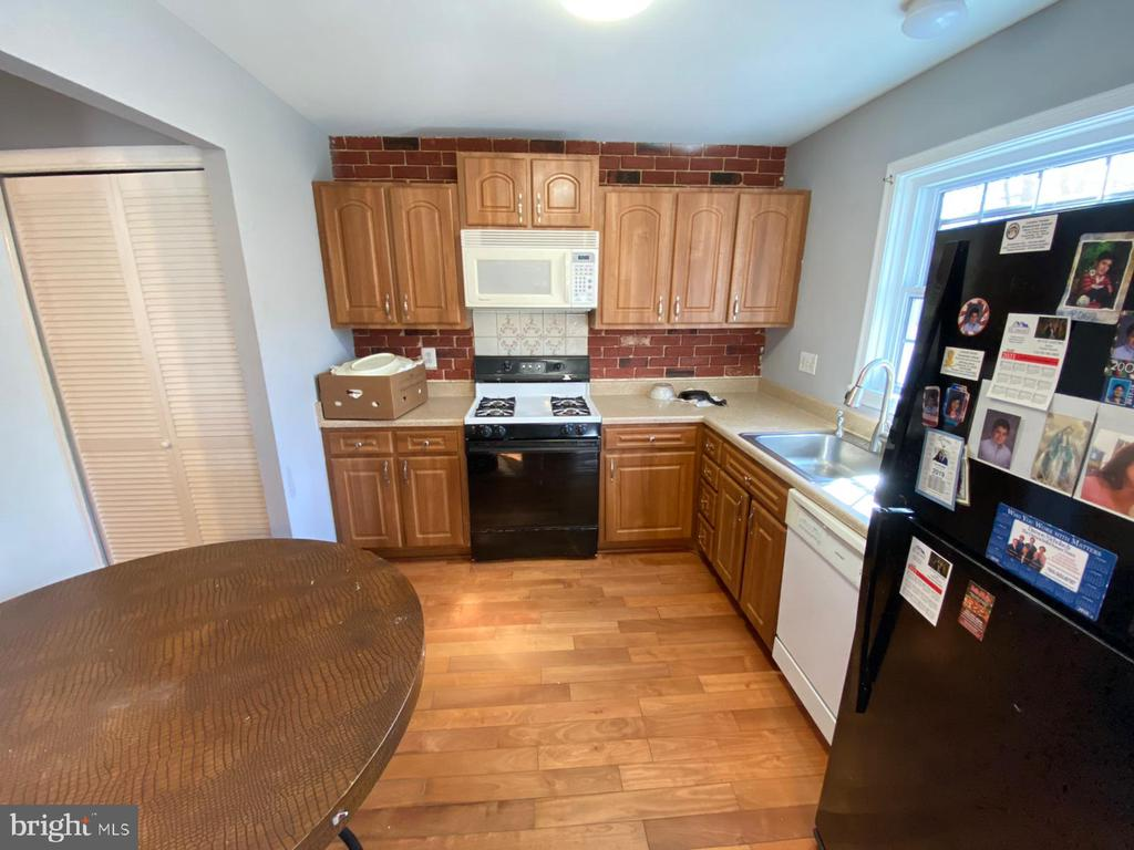 Kitchen - 14823 MAIDSTONE CT, CENTREVILLE