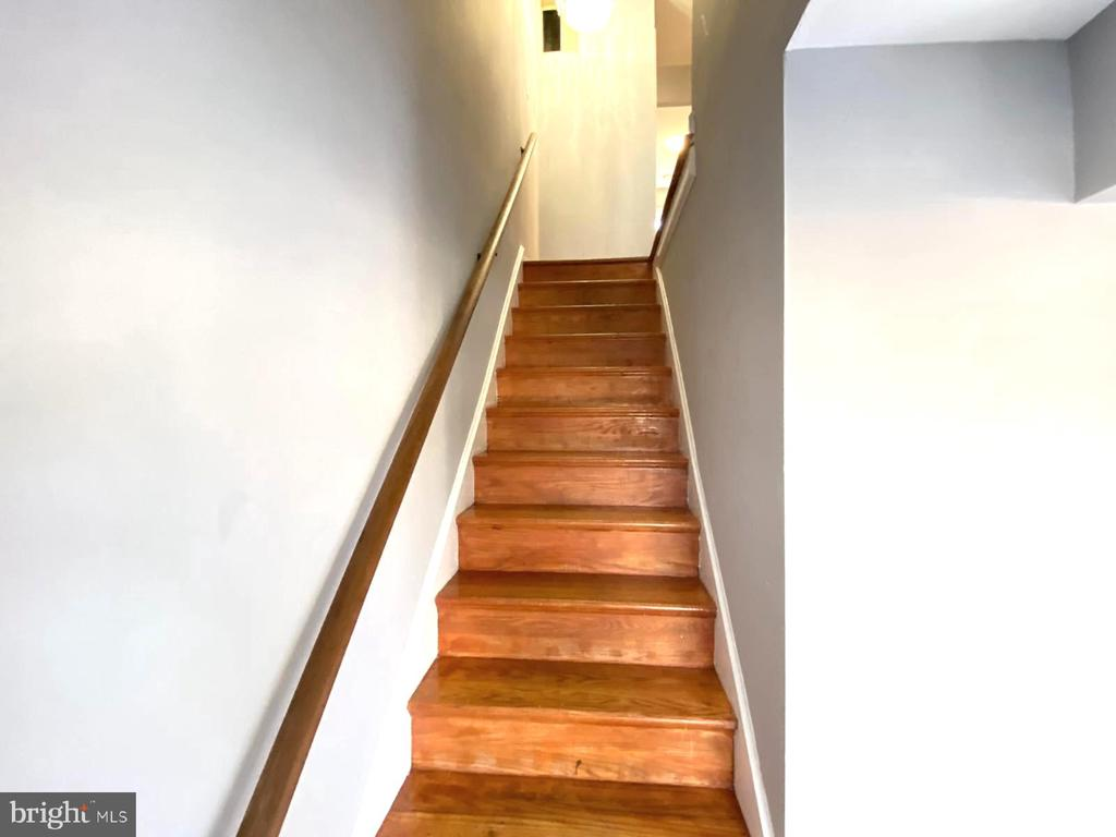 Upstairs - 14823 MAIDSTONE CT, CENTREVILLE