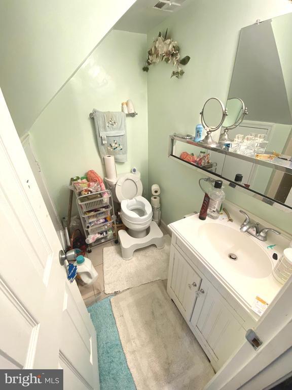 Full Bathroom Basement - 14823 MAIDSTONE CT, CENTREVILLE
