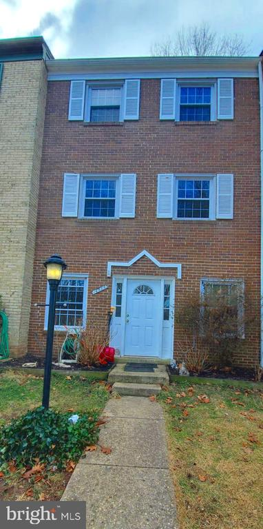 Front View - 14823 MAIDSTONE CT, CENTREVILLE