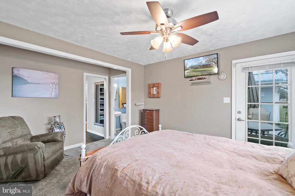 Bedroom 1 includes small  sitting room. - 603 S DOGWOOD ST, STERLING