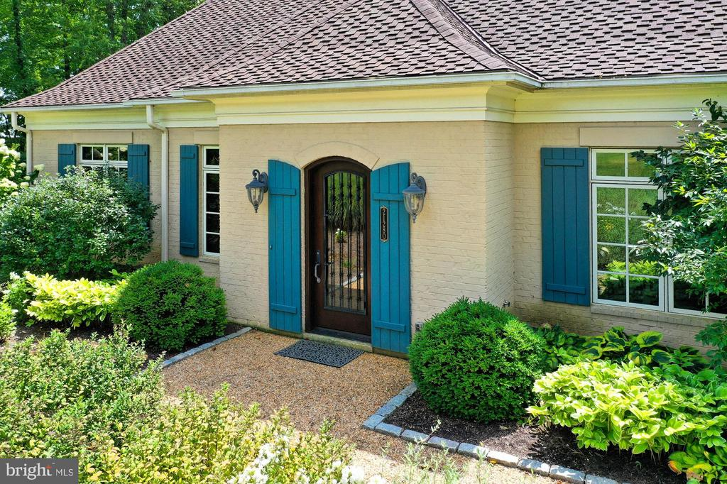 Entry to Managers Home - 21281 BELLE GREY LN, UPPERVILLE