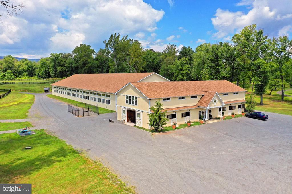 - 21281 BELLE GREY LN, UPPERVILLE