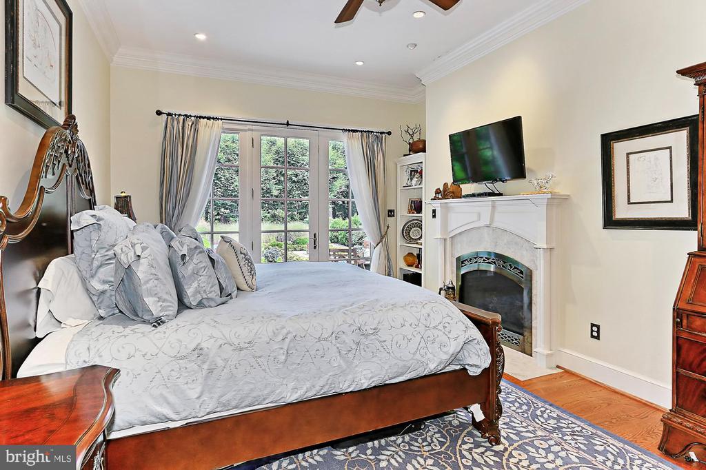 Main Residence Primary Bedroom - 21281 BELLE GREY LN, UPPERVILLE