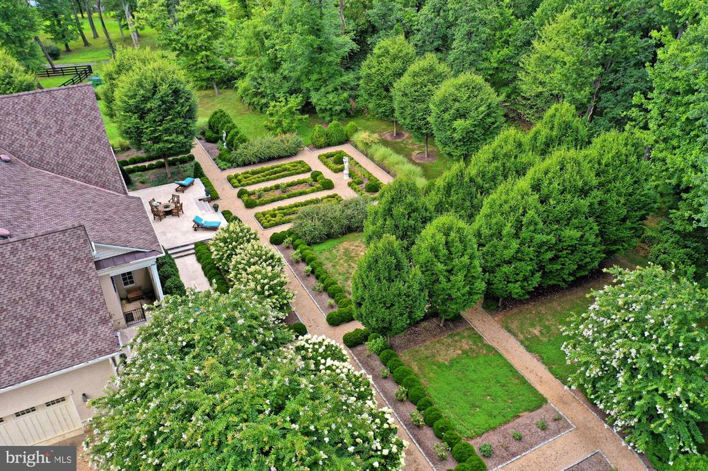 Areal view of Backyard at main Residence - 21281 BELLE GREY LN, UPPERVILLE
