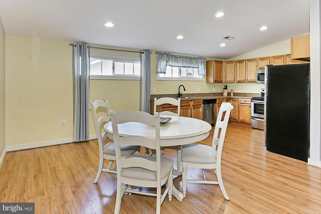Teant housing Kitchen Dining Space - 21281 BELLE GREY LN, UPPERVILLE